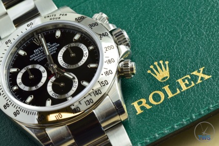 Hands-On Review: Rolex Cosmograph Daytona Stainless Steel ref. 116520 (Black) Rolex Daytona with warranty card holder.