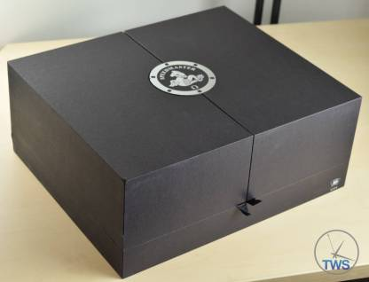 Outer most box for Omega Speedmaster Moonwatch Omega Speedmaster Professional Moonwatch 42mm: Unboxing-Review [311.33.42.30.01.001] © 2016 blog.thewatchsource.co.uk All Rights Reserved