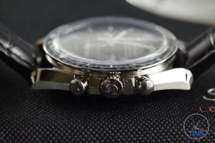 Speedmaster case profile Omega Speedmaster Professional Moonwatch 42mm: Unboxing-Review [311.33.42.30.01.001] © 2016 blog.thewatchsource.co.uk All Rights Reserved