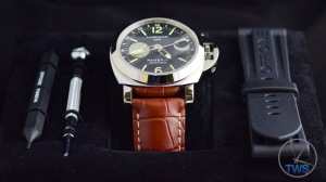 Unboxing Review: Panerai Luminor GMT 44mm [PAM00088] The Luminor sitting on its black velvet presentation tray with vanilla smelling rubber strap and strap adjustment tools © 2016 blog.thewatchsource.co.uk ALL RIGHTS RESERVED