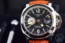 Unboxing Review: Panerai Luminor GMT 44mm [PAM00088] Luminor GMT sitting in supplied presentation box with strap adjustment tools in the background. The dial is made from both Arabic numerals and Indices for a high level of legibility
