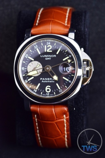 Unboxing Review: Panerai Luminor GMT 44mm [PAM00088] Panerai on display cushion