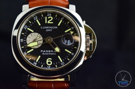 Unboxing Review: Panerai Luminor GMT 44mm [PAM00088] Luminor dial close up in a low light environment
