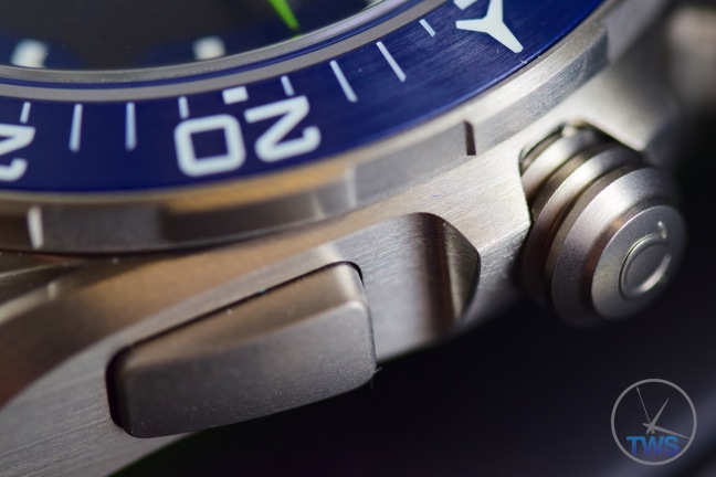 Bezel, button and crown closeup of Omega Speedmaster X-33 Skywalker Solar Impulse [318.92.45.79.03.001] © 2016 blog.thewatchsource.co.uk ALL RIGHTS RESERVED