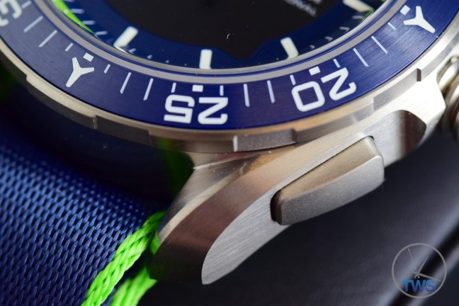 Second bezel and button closeup of Omega Speedmaster X-33 Skywalker Solar Impulse [318.92.45.79.03.001] © 2016 blog.thewatchsource.co.uk ALL RIGHTS RESERVED