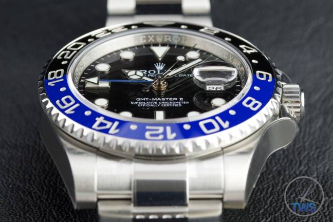 Review of the Rolex GMT Master II [116710BLNR] aka 'The Batman' Dial closeup