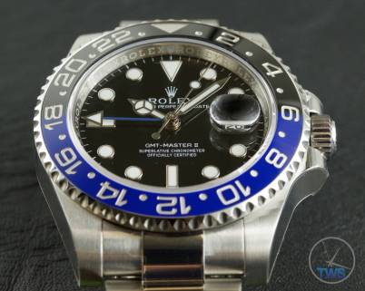 Review of the Rolex GMT Master II [116710BLNR] aka 'The Batman' Dial close up with time set at 10:07