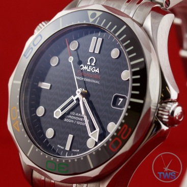 Omega Rio 2016 Olympic Limited Edition Seamaster Diver 300m: Hands On Review [522.30.41.20.01.001] - Dial and bezel