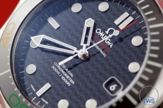 Omega Rio 2016 Olympic Limited Edition Seamaster Diver 300m: Hands On Review [522.30.41.20.01.001] - Black dial with hands and index markers lit-up
