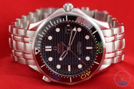Omega Rio 2016 Olympic Limited Edition Seamaster Diver 300m: Hands On Review [522.30.41.20.01.001] - Straight on dial, bezel, and bracelet close up