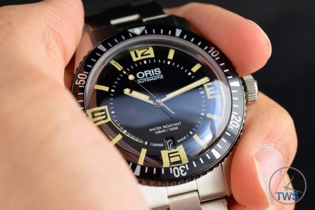 The Oris Divers Sixty-Five (With Metal Bracelet) [01 733 7707 4064-07 8 20 18] Sat In Hand