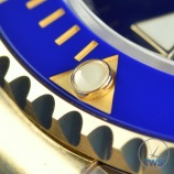 Gold filled ceramic bezel and luminous perl on the Rolex Submariner Date: Hands-On Review [116613LB]