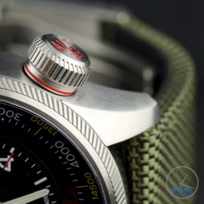 Oris Big Crown ProPilot Altimeter 47mm: Hands-On Review [01 733 7705 4134-07 5 23 14FC] - Close up of altimeter venting crown, in the open position, to measure air pressure