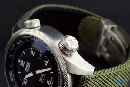 OrisBig Crown ProPilot Altimeter 47mm: Hands-On Review[01 733 7705 4134-07 5 23 14FC] - Low key photo for watch review